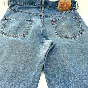 Levis 550 Jeans Size 34X34 Straight Leg Holes Belt
